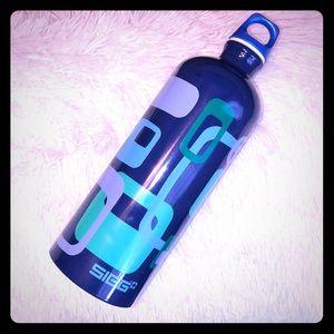 💦🇩🇰 Sigg Swiss Traveler 1 liter water bottle